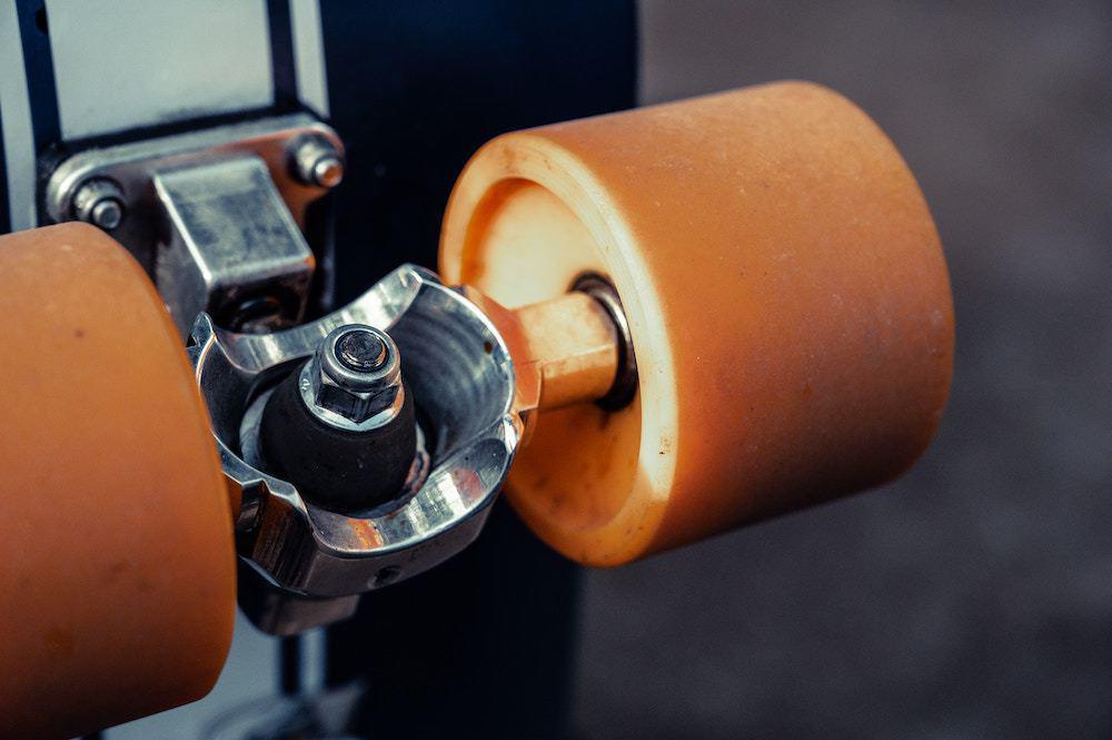 Longboard wheels and trucks